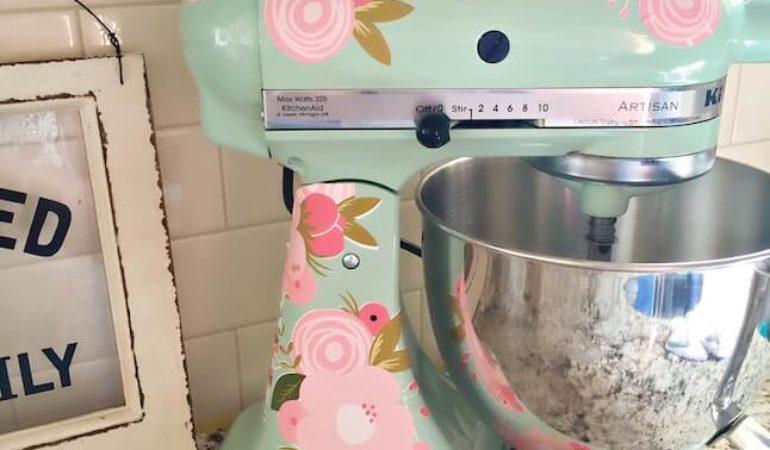 DIY Kitchenaid Mixer using printable vinyl